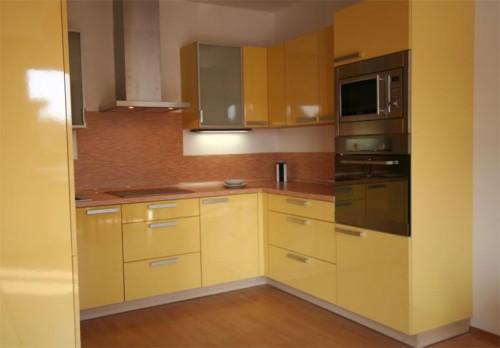 Kuchyně na míru využije váš atypický prostor na maximum, zdroj: jninterier.cz