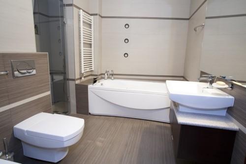 Moderní velkoformátové dlaždice do koupelny, zdroj: shutterstock.com