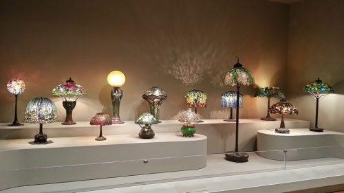 Různé typy vytrážových lamp, zdroj: wikipedia.org